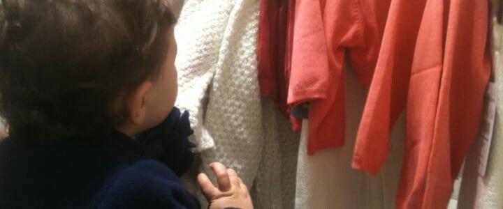 mon enfant aime les vêtements et les chaussures