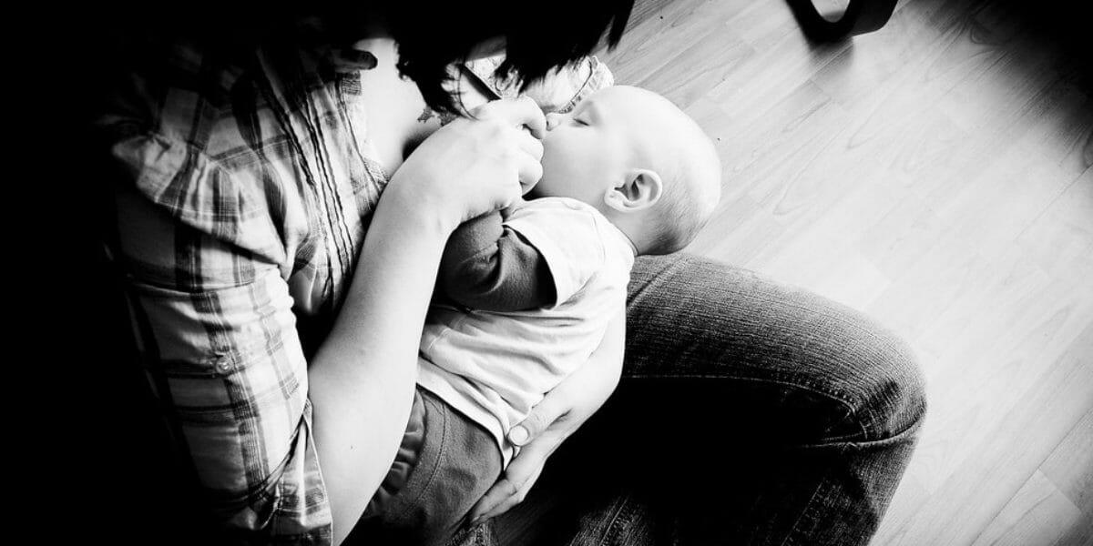 lait en poudre : la suède interdit l'utilisation d'image de bébé dans les pubs
