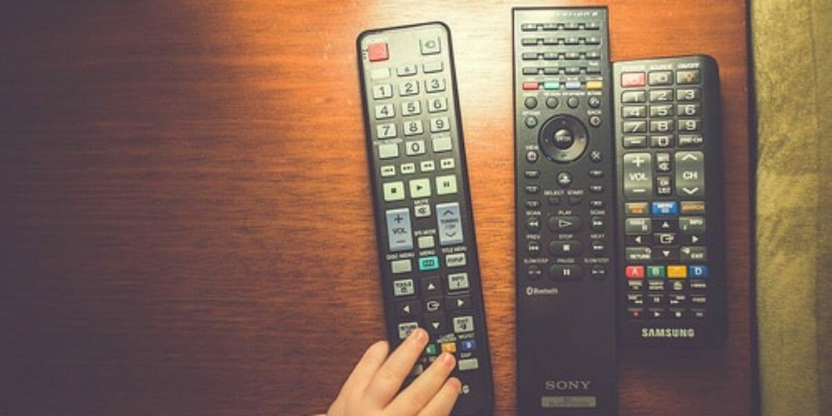 10 raisons de coller nos enfants devant la télé