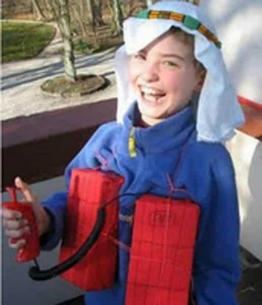 Pires déguisements pour enfants : le kamikaze
