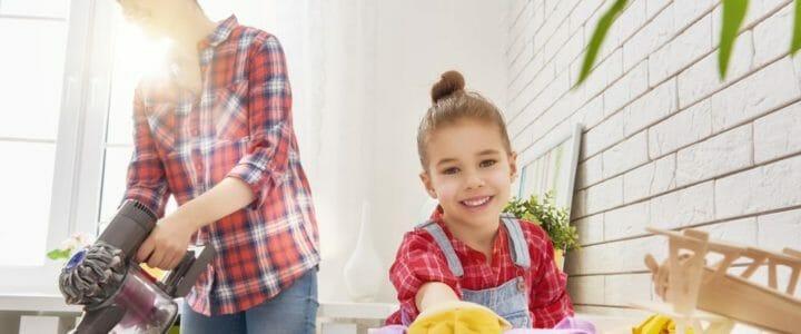 faire le ménage avec les enfants