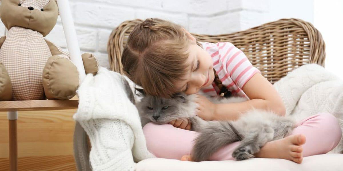Pourquoi adopter un animal de compagnie pour son enfant ?