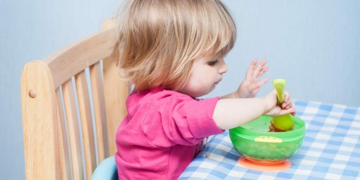 comment choisir un rehausseur de chaise enfant