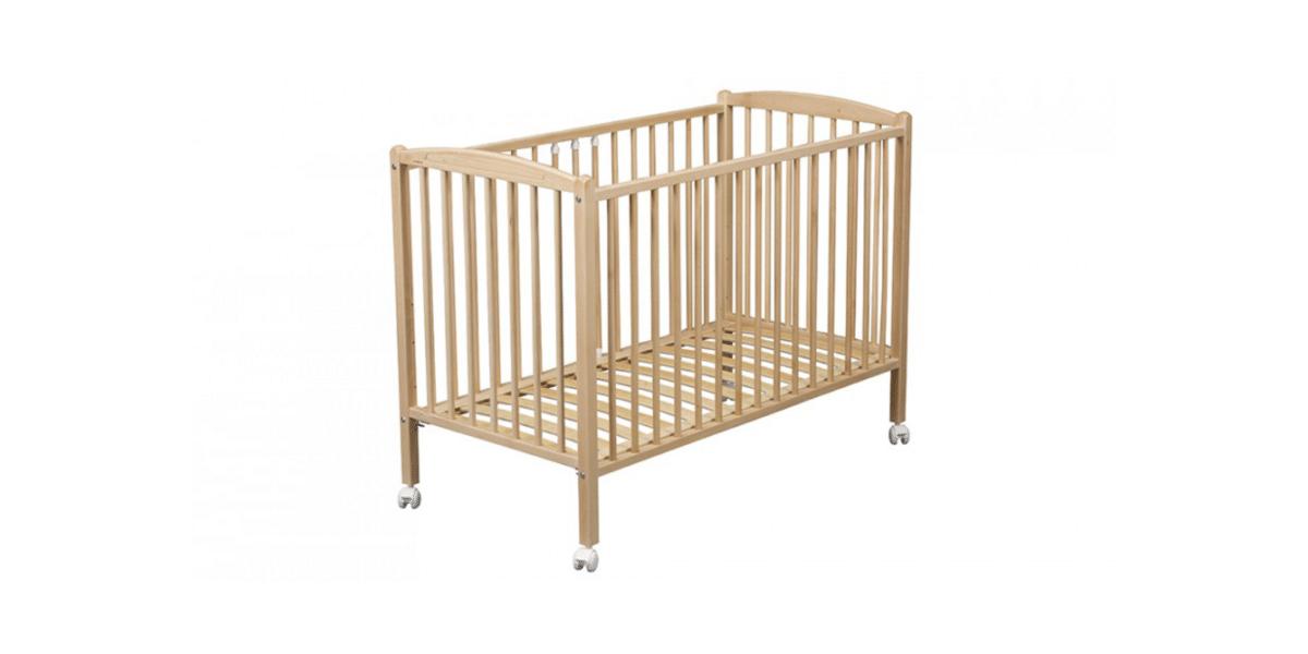 lit bébé à barreaux et à roulettes en bois marque Combelle
