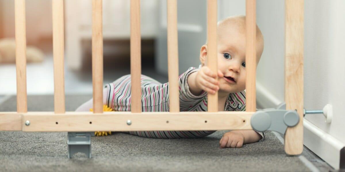 barriere-escaliers-securite-bebe