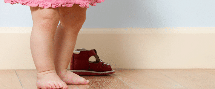 quand-proposer-chaussures-bebe
