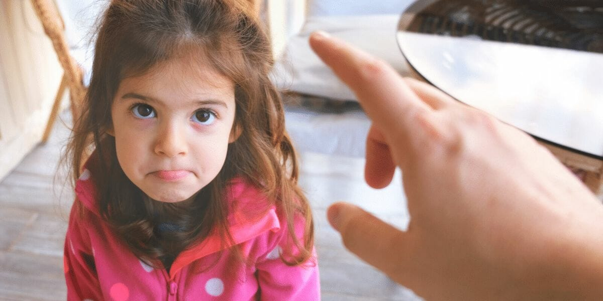 arreter-de-demander-depeche-toi-aux-enfants