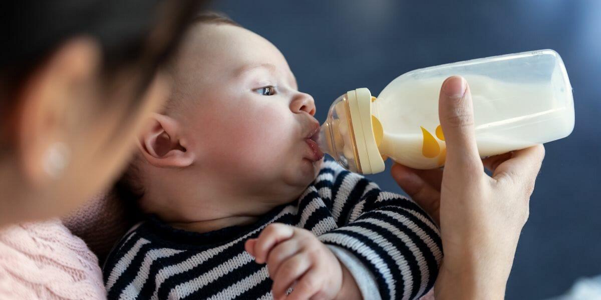 bebe-ne-veut-pas-prendre-son-biberon