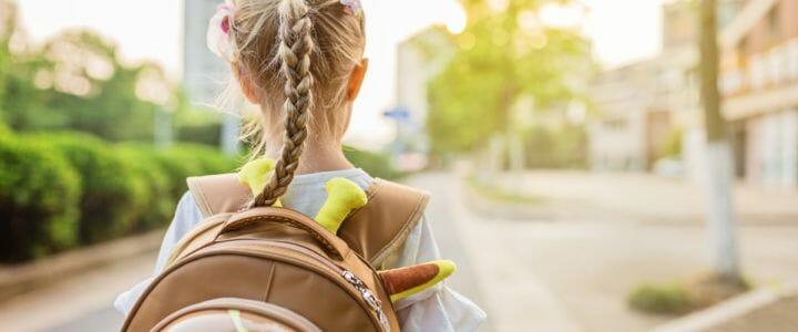Enfant-seul-pour-aller-a-ecole