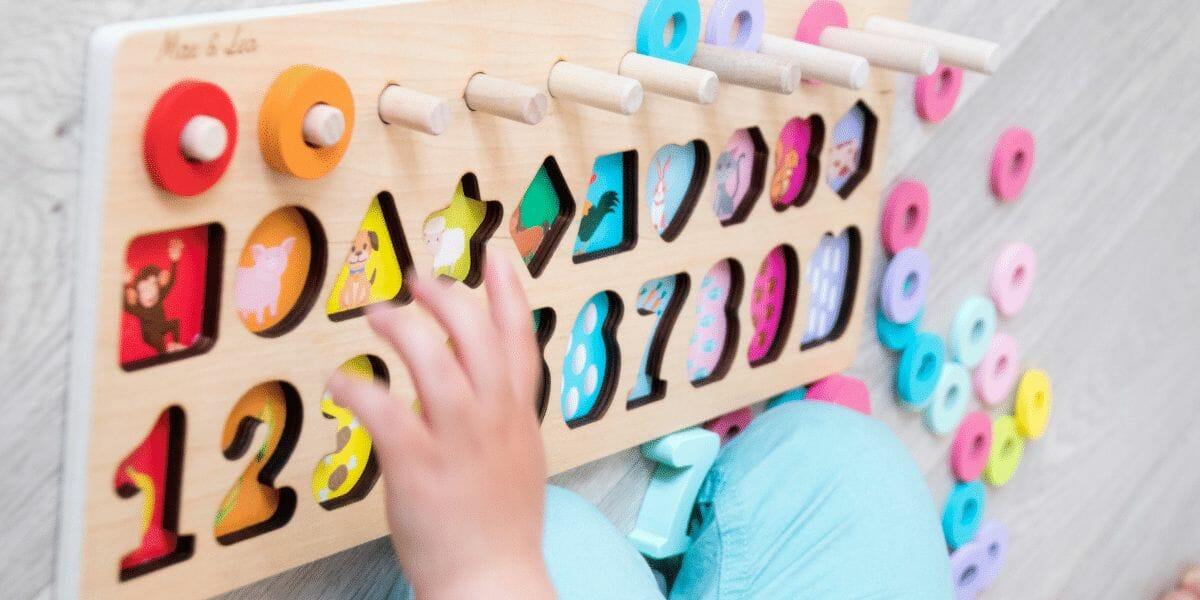 Jeu d'éveil Montessori bébé et enfant